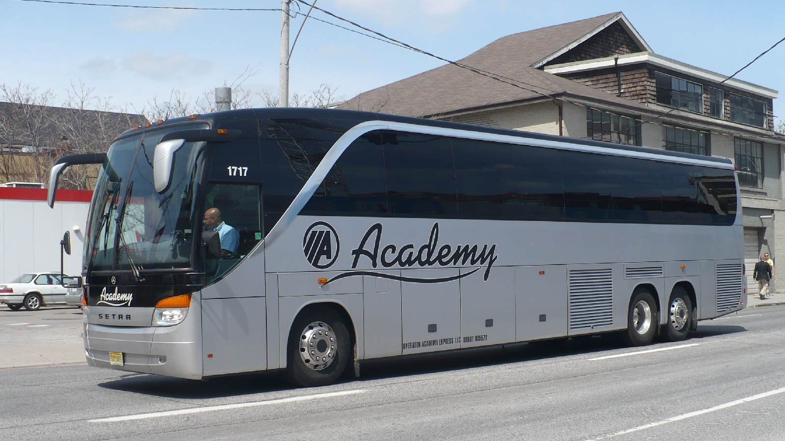 lucky streak bus company