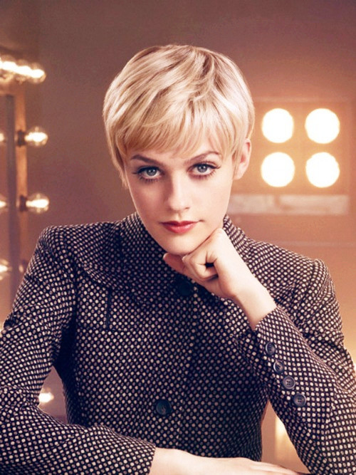how to grow out a pixie cut gracefully